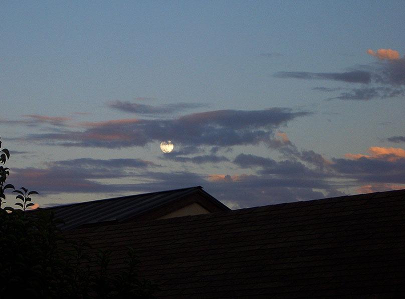 Ventura Full Moonrise